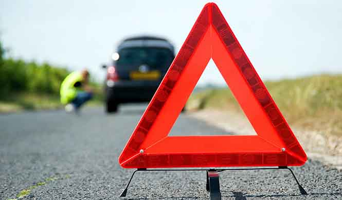 ¿Sabes colocar los triángulos de emergencia?