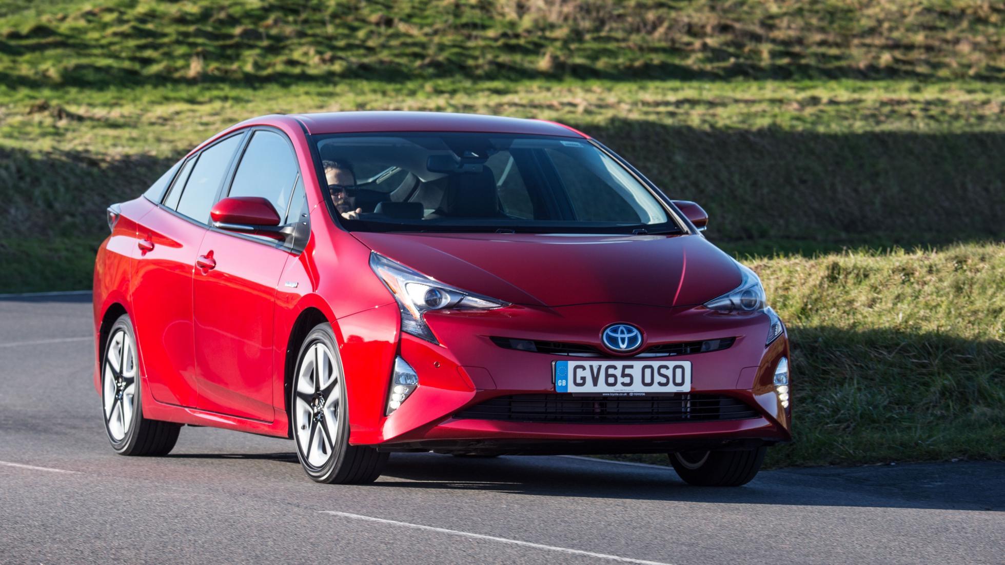Rivales Peugeot 3008: Toyota Prius