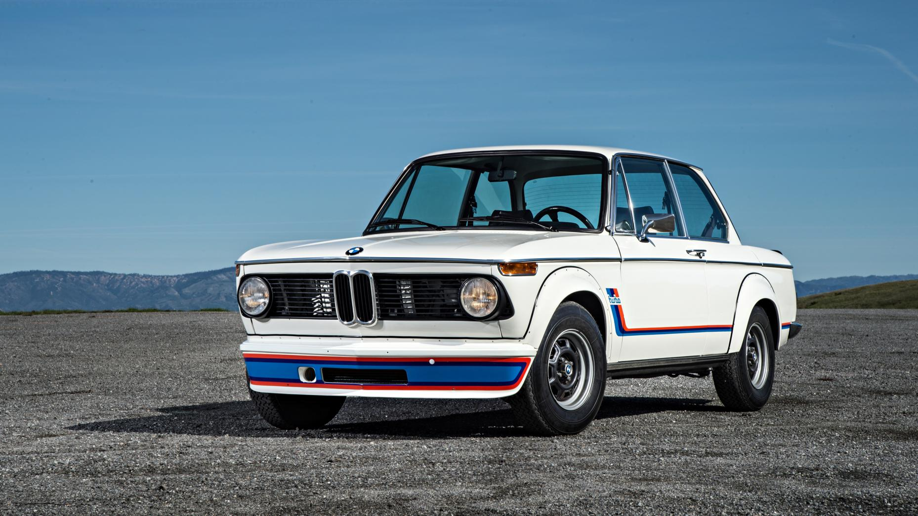 la idea restomod de la semana bmw 2002 con el motor de un. Black Bedroom Furniture Sets. Home Design Ideas