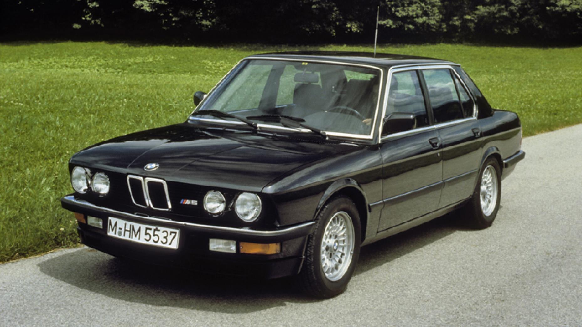 BMW M5 E28 berlina deportiva lujo