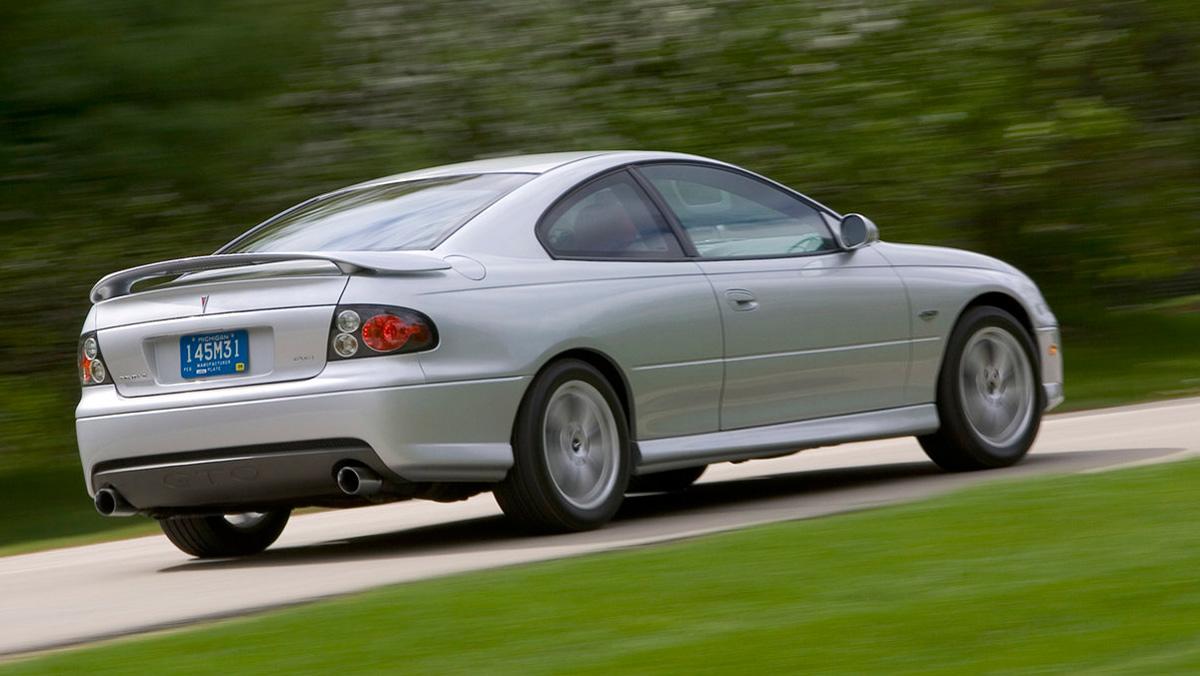 Cochazos de marcas que tuvieron que después se hundieron: Pontiac GTO (II)