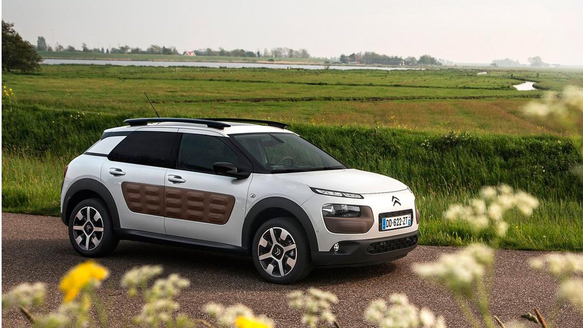 Coches que aparcan solos, Citroën C4 Cactus (I)