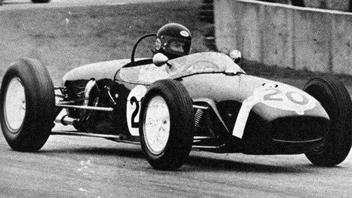Lotus 18 del 61 pilotado por Harrison en Donington 1979