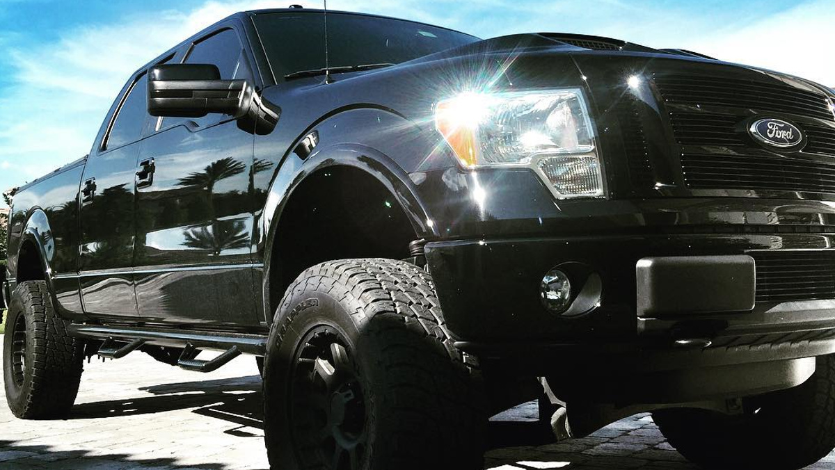 PARTE DELANTERA FORD F150 PICKUP DWAYNE JOHNSON