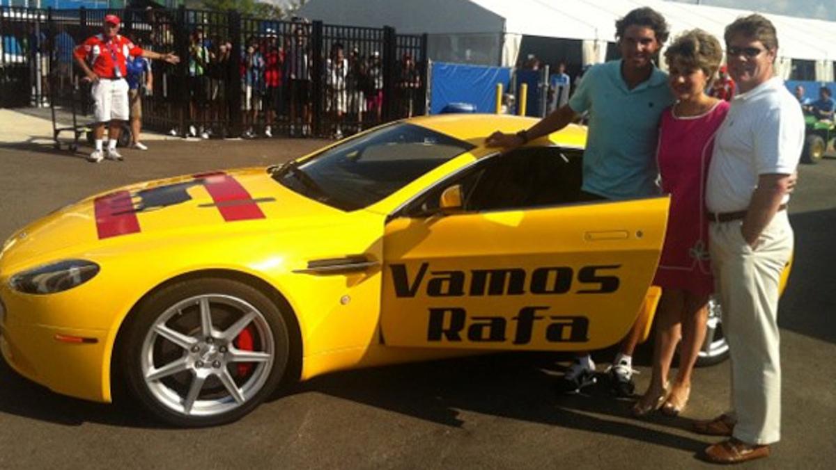 Un Aston Martin tuneado en honor de Rafa