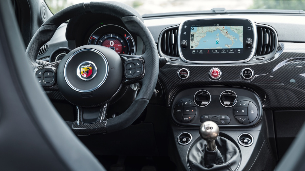 prueba abarth 695 xsr yamaha foros de debates de coches. Black Bedroom Furniture Sets. Home Design Ideas