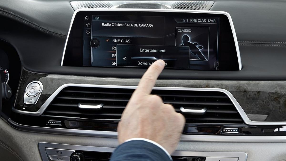 Innovaciones en los coches: control por gestos (II)