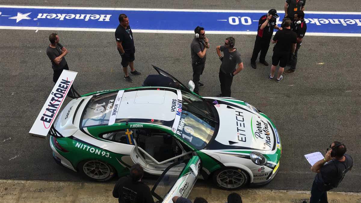 Porsche Supercup pitlane
