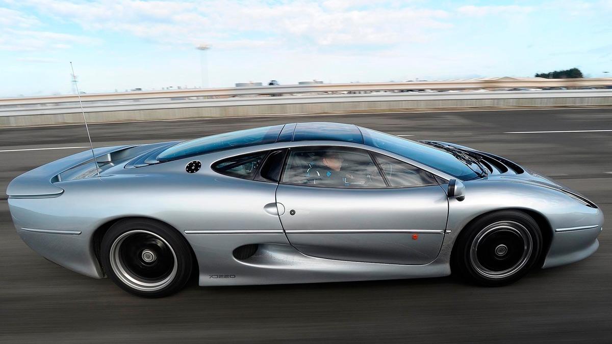 Superdeportivos: Jaguar XJ220 (II)