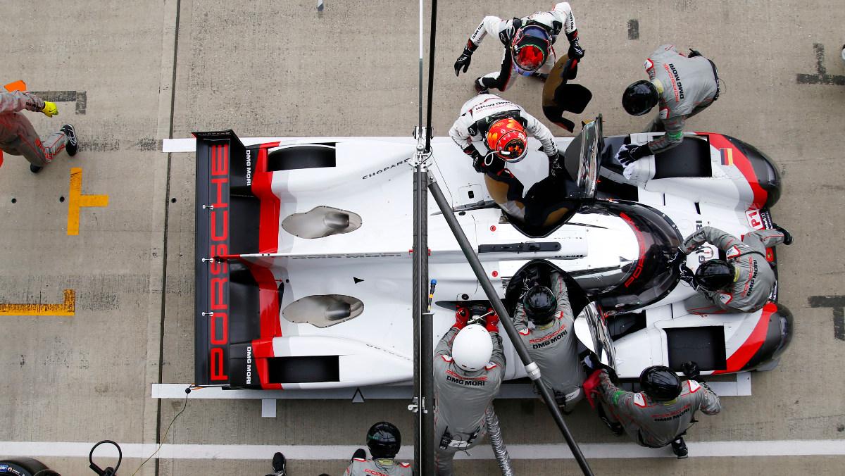 Porsche en un cambio de piloto