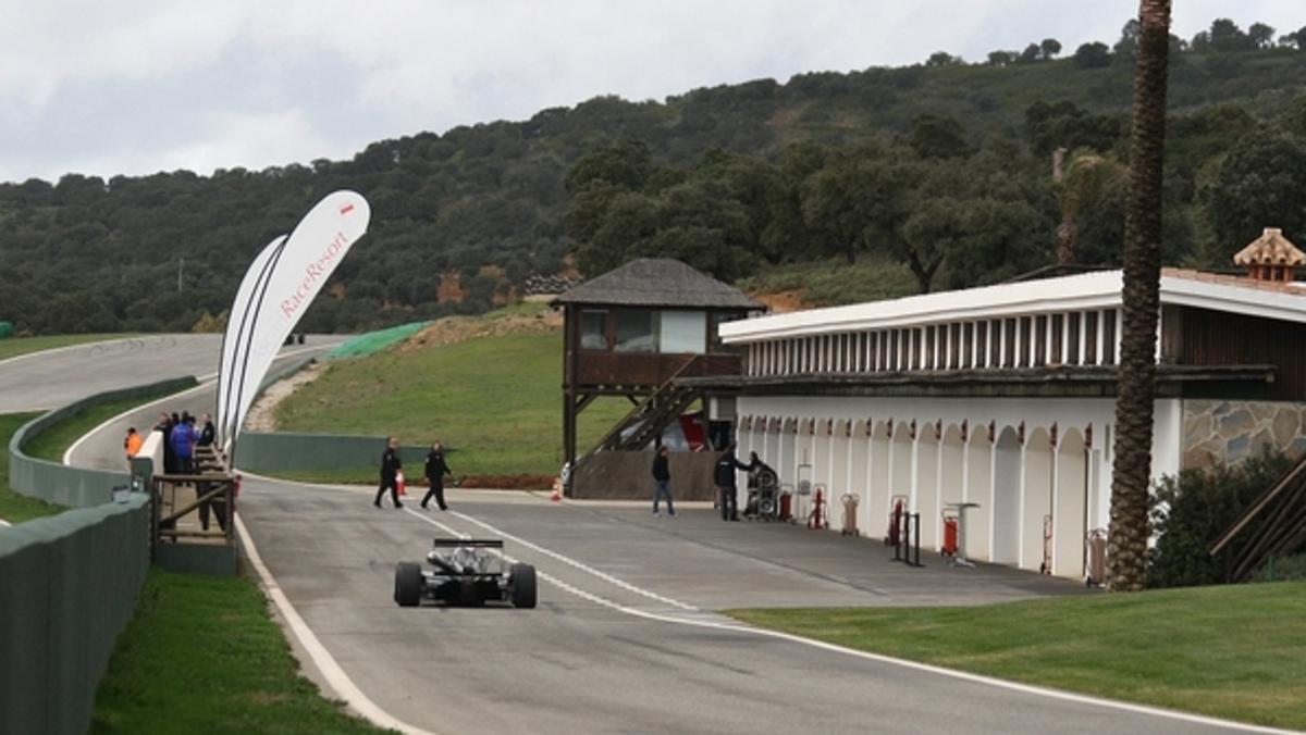 Boxes del Circuito ascari en Ronda (Málaga)