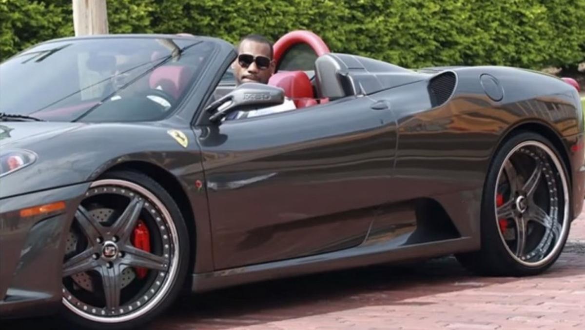 Cómo mola la flota de coches de LeBron James!