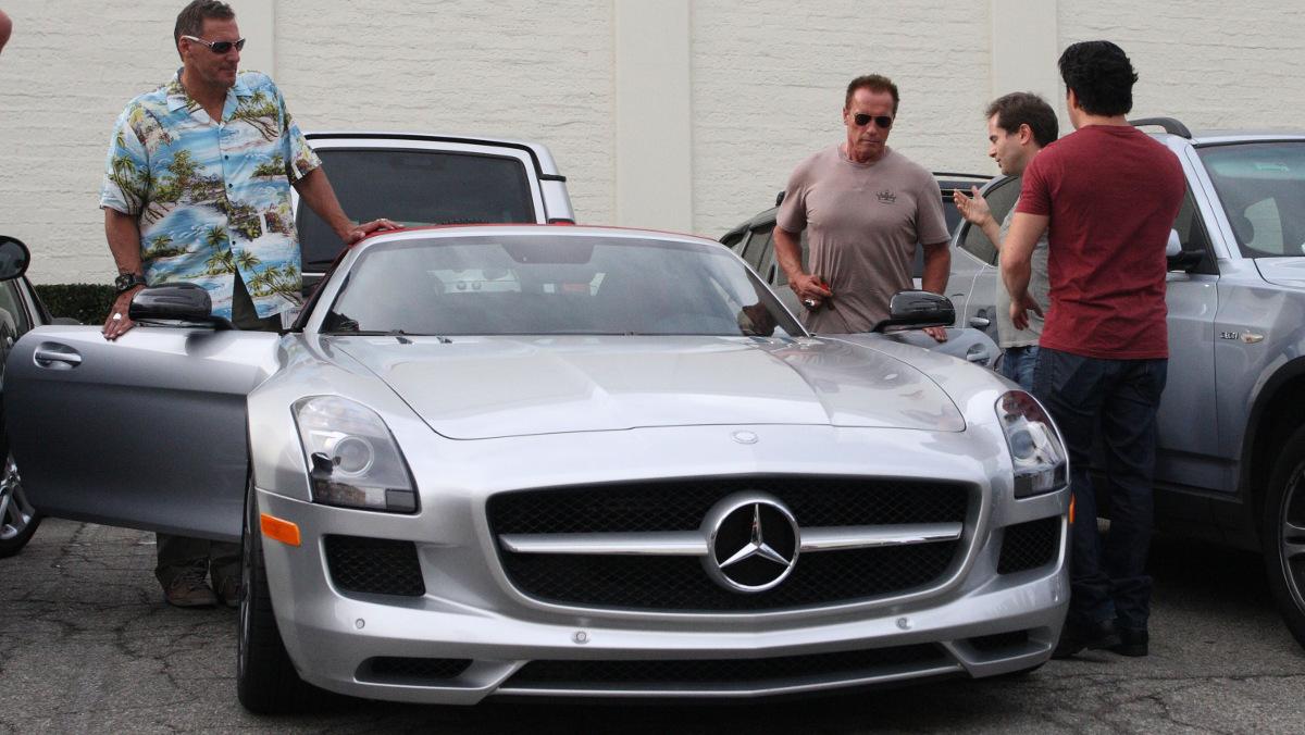 Arnold Schwarzenegger y su SL55 Amg