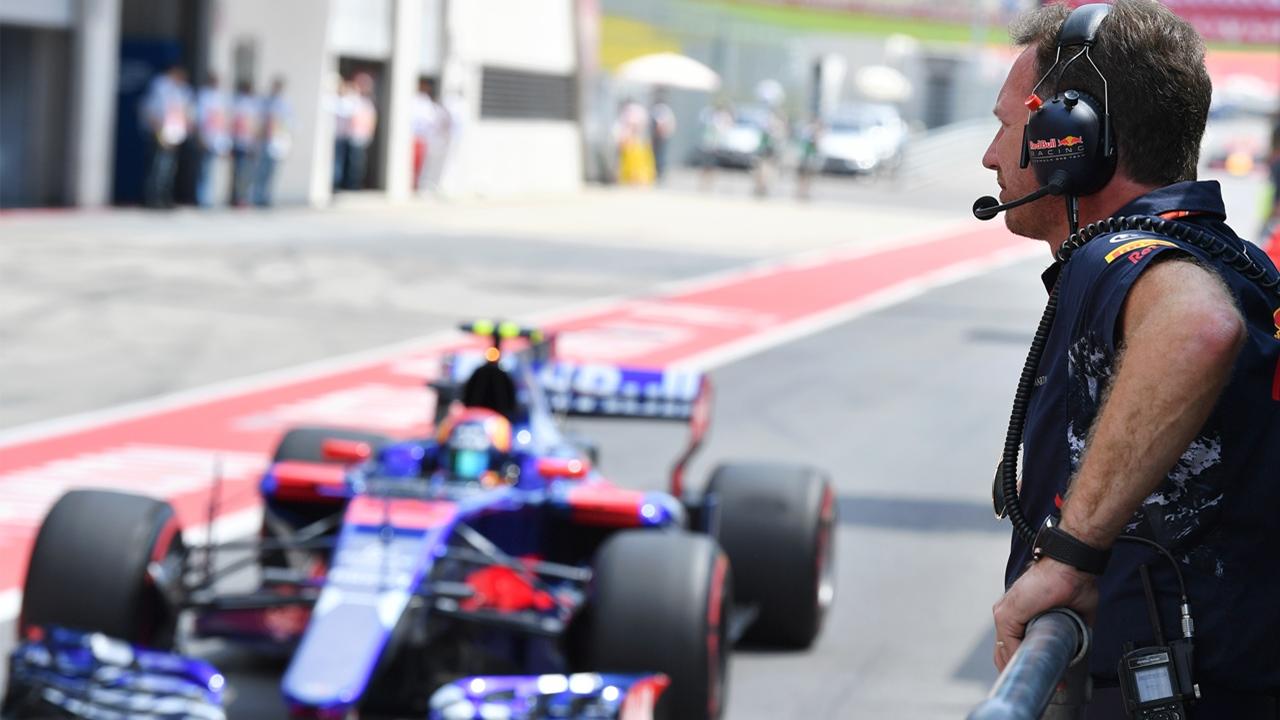 Christian Horner ve pasar a Carlos Sainz