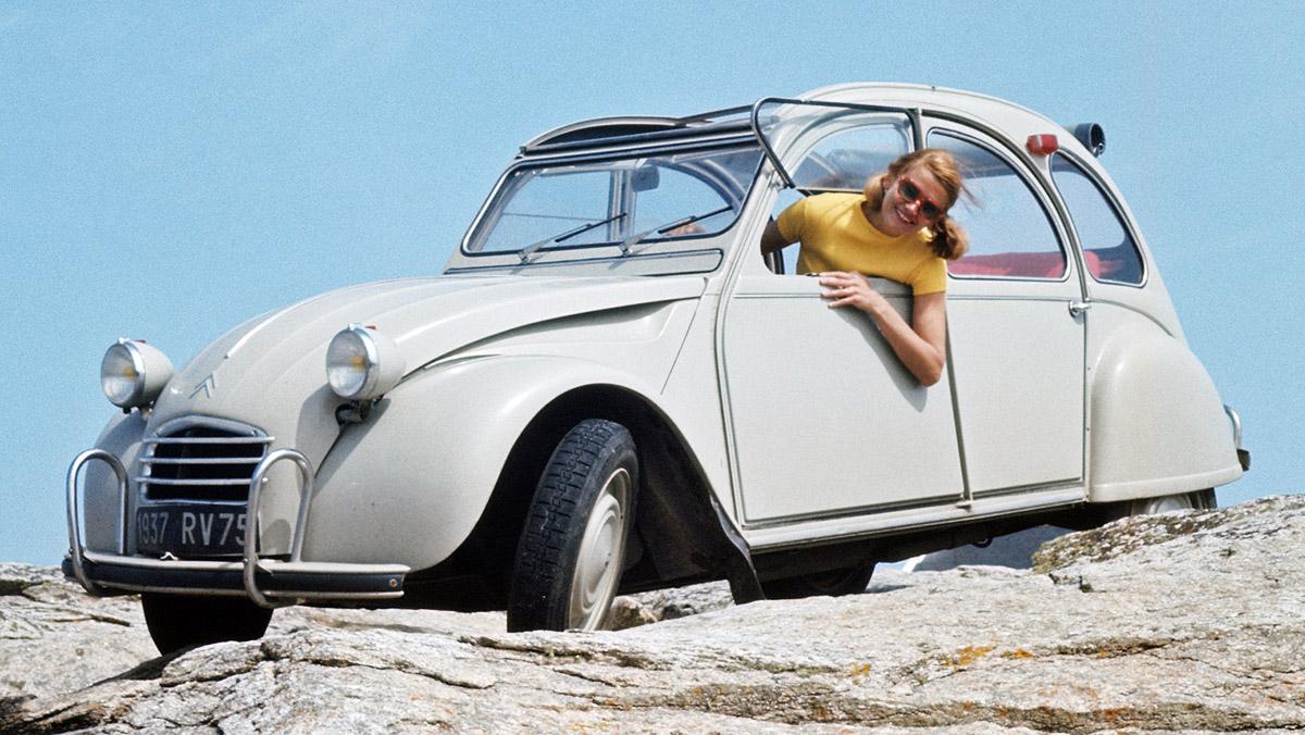 La historia del Citroën 2CV - Renovarse o morir