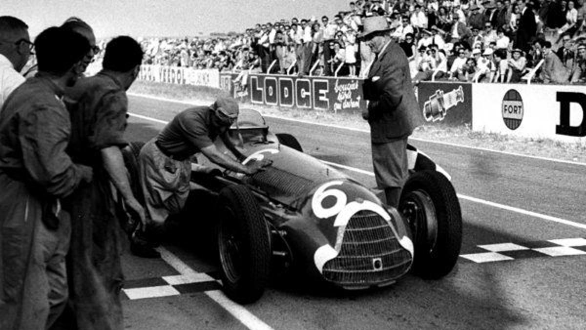 Luigi Faglioli con su Alfa gana el GP Francia 1951 en Reims