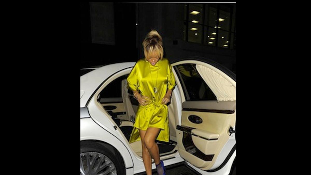 Rihanna y un Maybach, una combinación de lujo