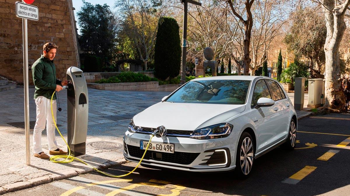 Volkswagen Golf GTE 2017 híbrido enchufable compacto