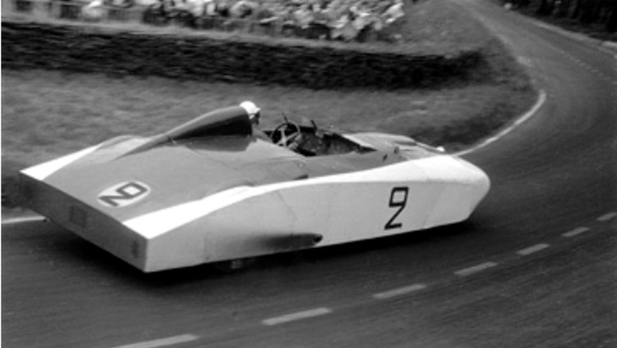 Cadillac 'Le Monstre', a tope en Le Mans 1950