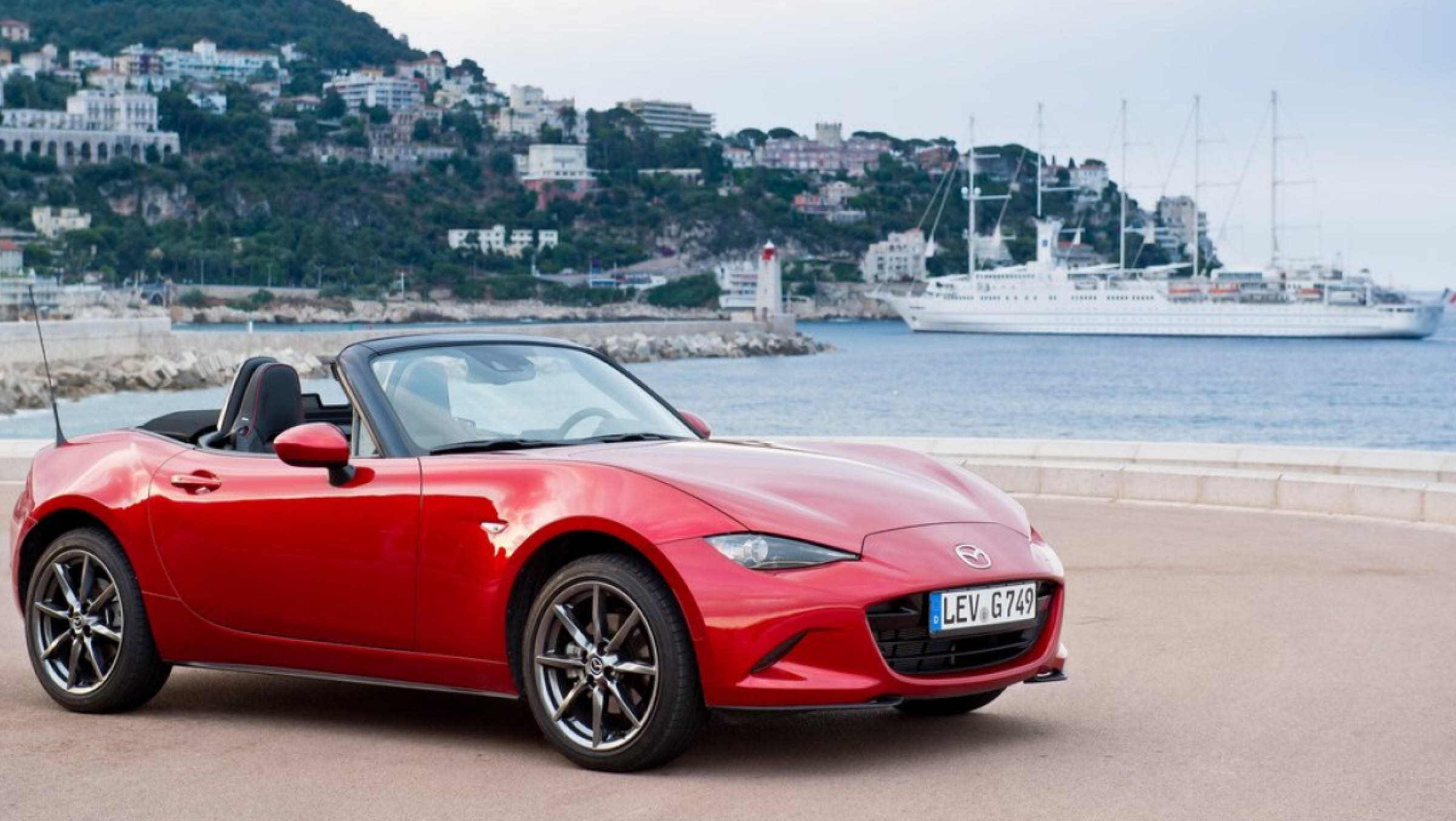 Coches para ser el rey de la playa - Mazda MX-5