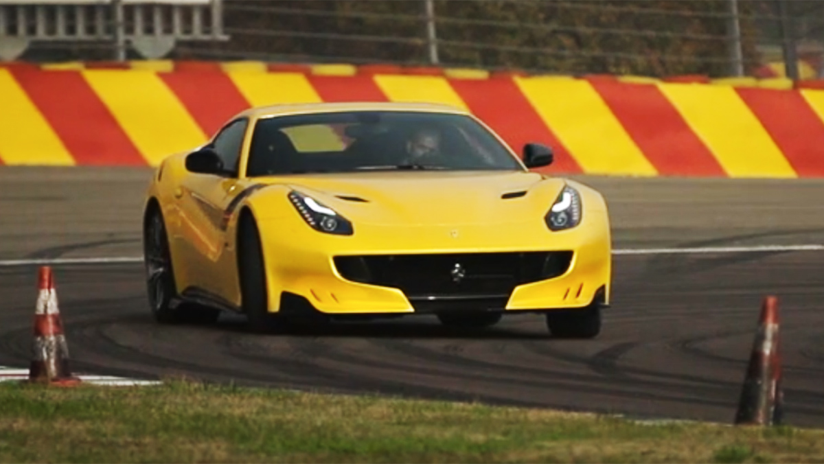 Las 5 mejores pruebas de Ferrari hechas por Chris Harris - F12 tdf