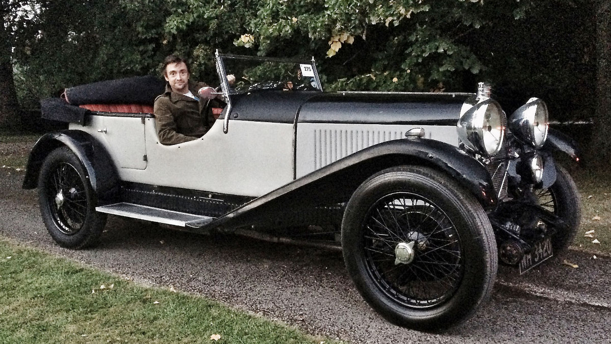 Richard Hammonds posa con su Lagonda 2.0 de 1931