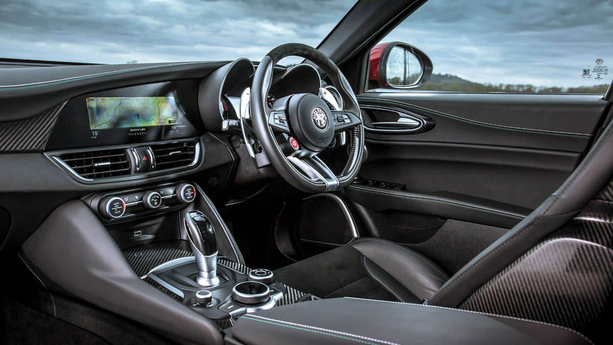 Alfa Romeo Giulia QV (interior)