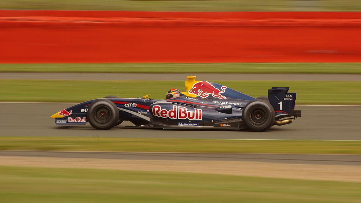 Brendon_Hartley_2009_Formula_Renault_3.5_Silverstone