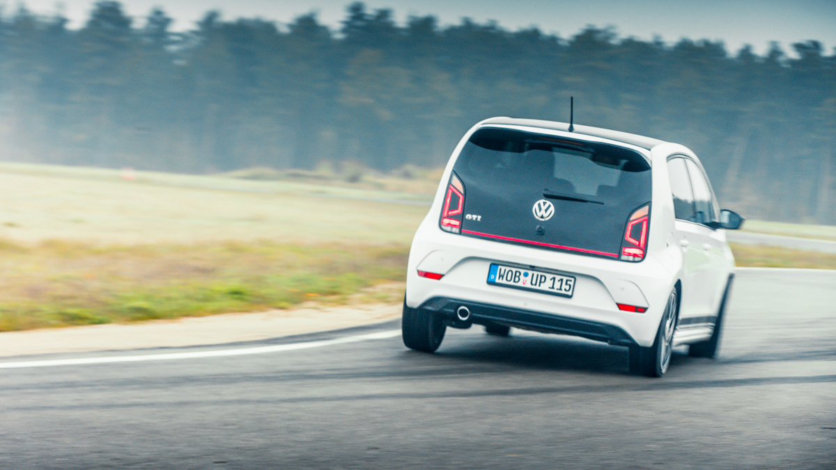 Volkswagen up! GTI (curva)