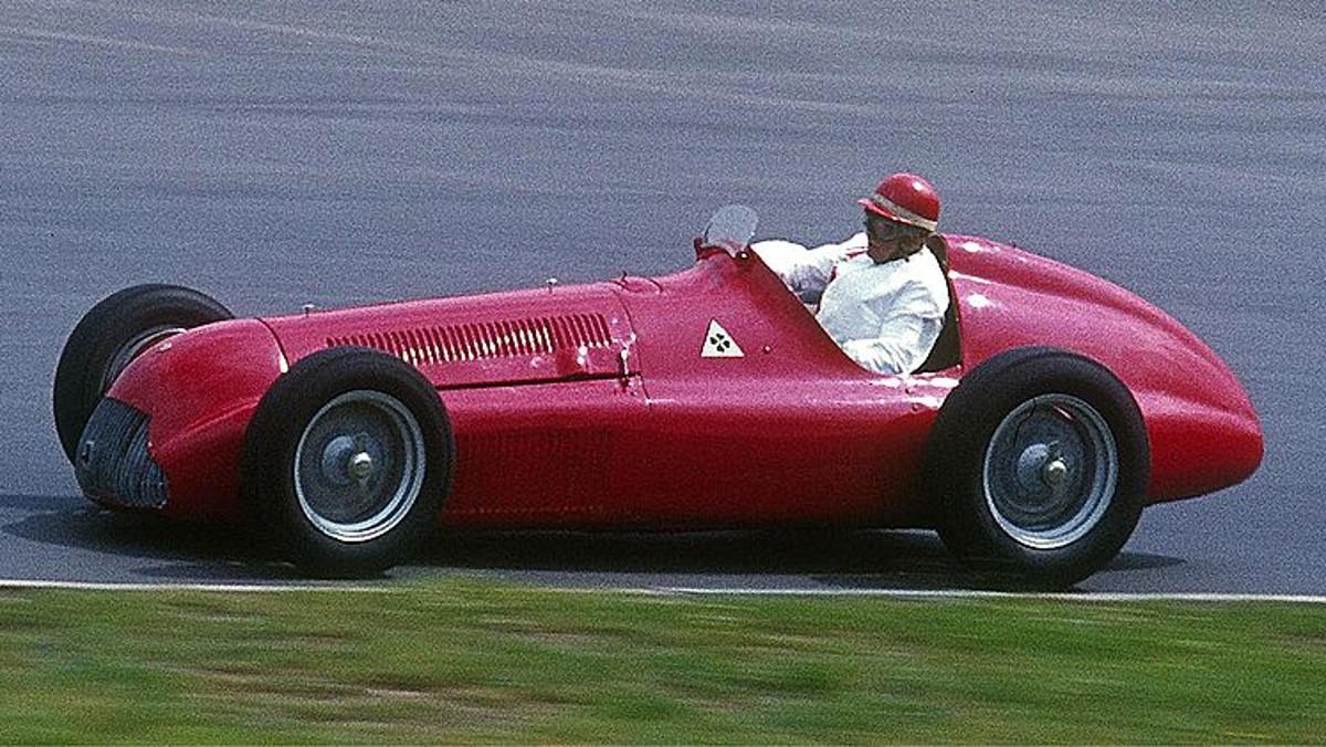 Alfa_Romeo_Alfetta_159_Lothar Spurzem