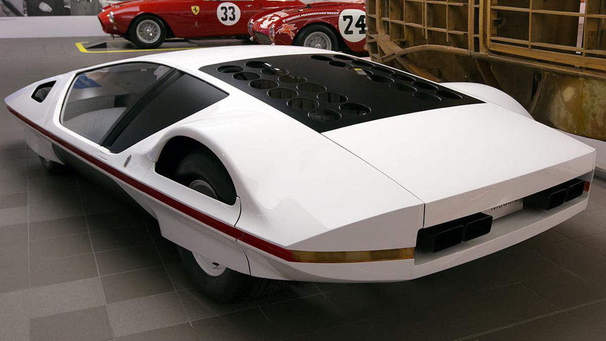 Parte trasera izquierda del Ferrari Modulo