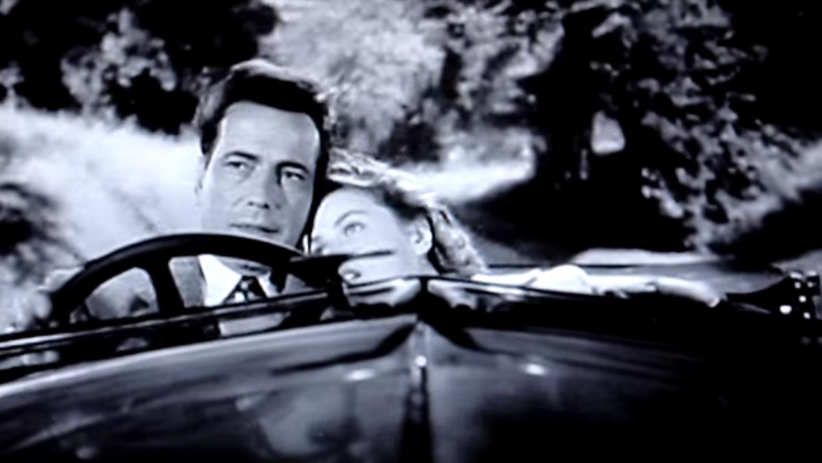 Bogart y Bergman en un cabrio en el flashback de París en Casablanca