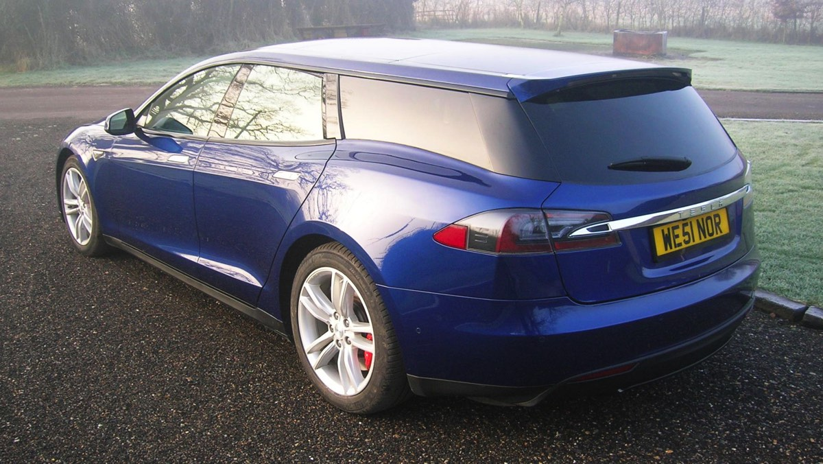 Tesla Model S Shooting Brake by QWest