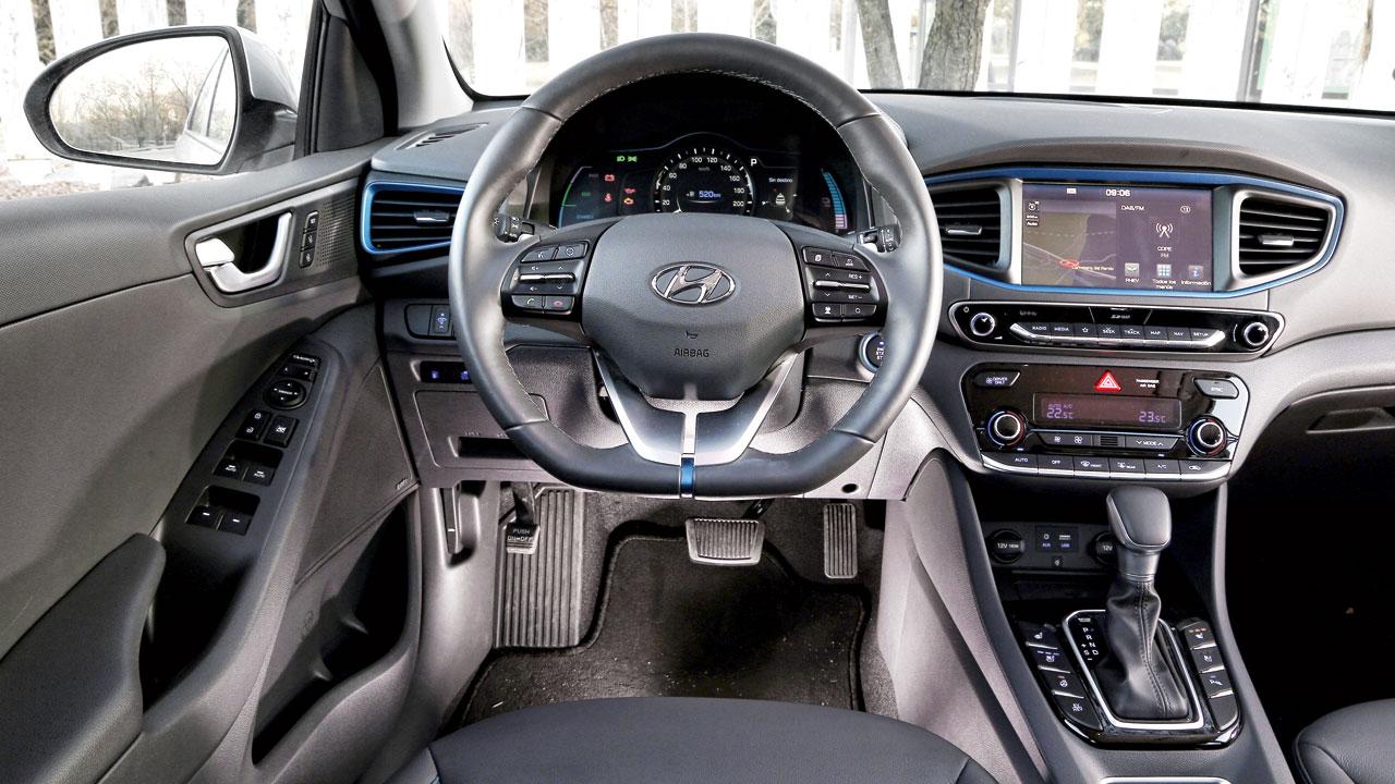 Comparativa: Hyundai Ioniq y VW Golf GTE