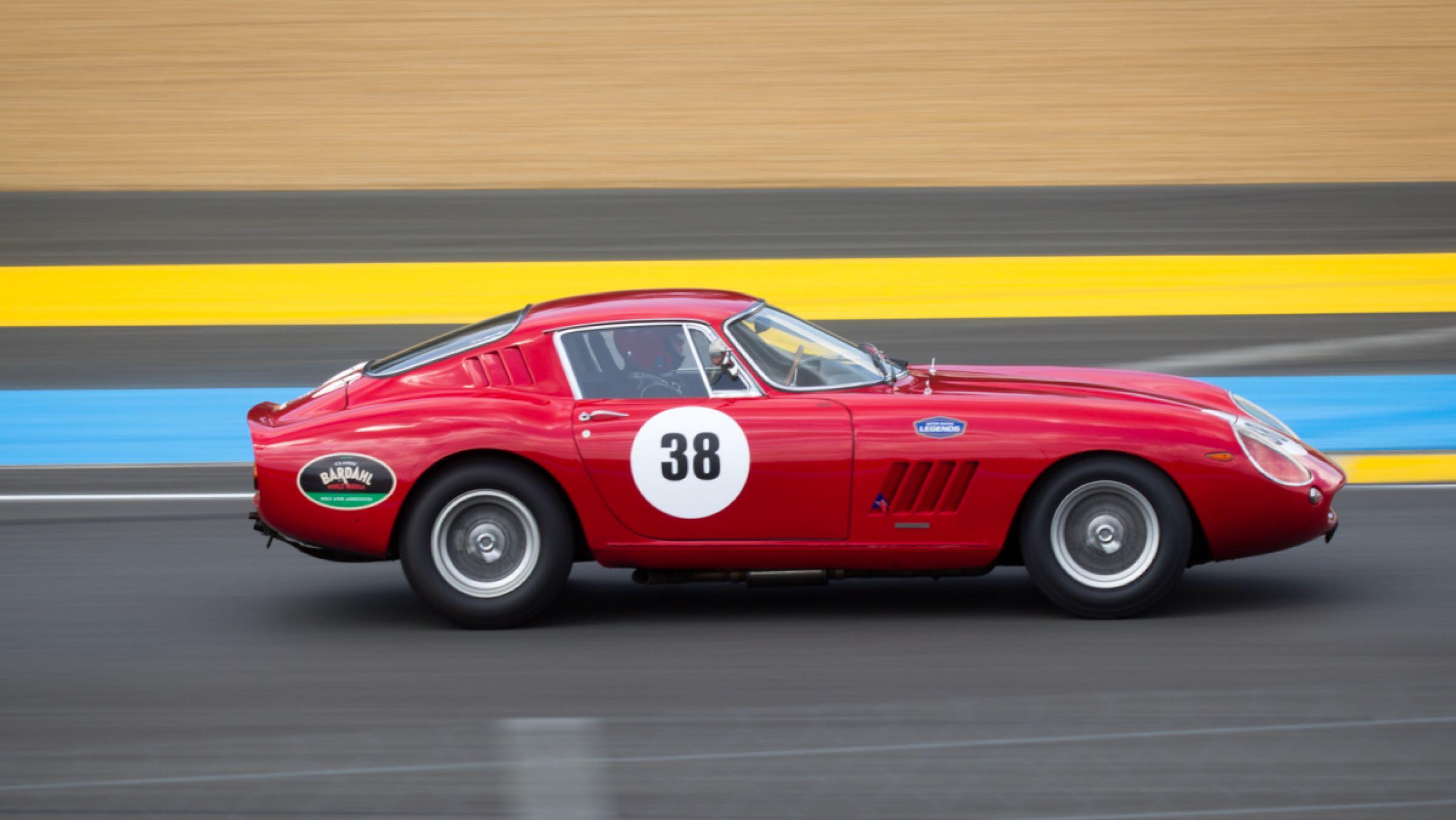 Ferrari 275 GTB (dinámica)