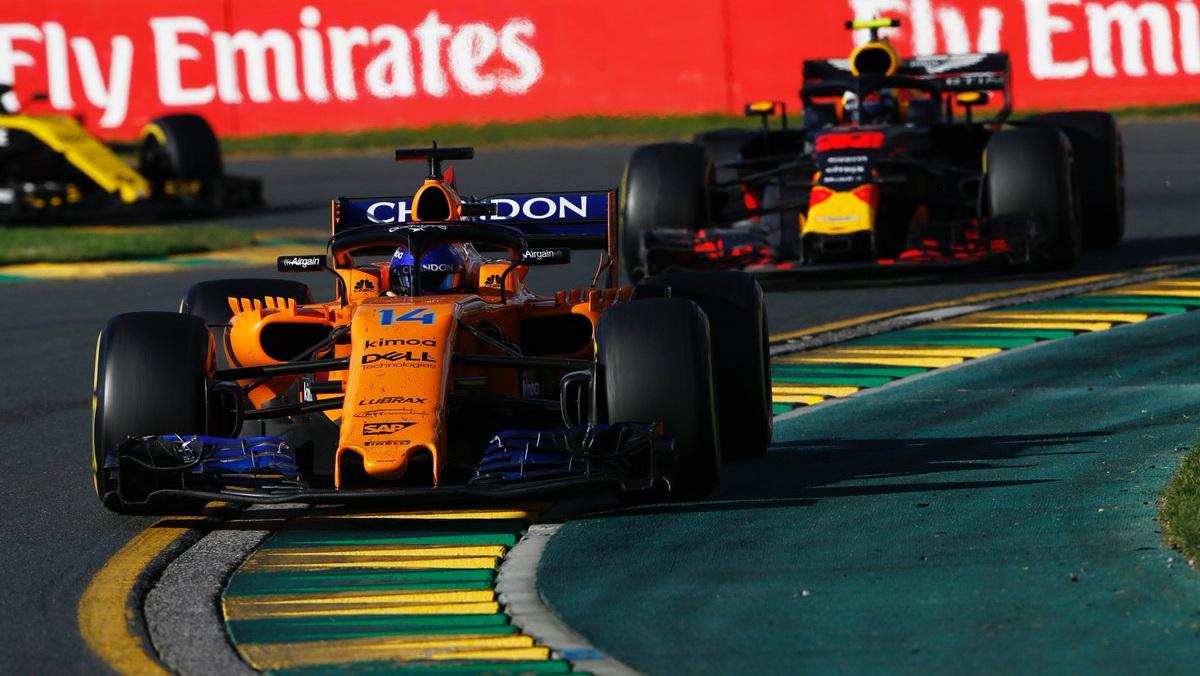 Alonso mantiene a raya a Mad Max en el F1 2018