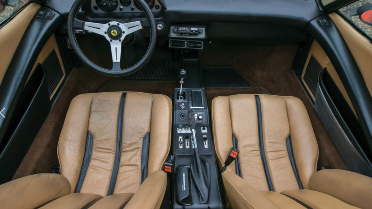 Interior Ferrari 308 GTS Gilles Villeneuve
