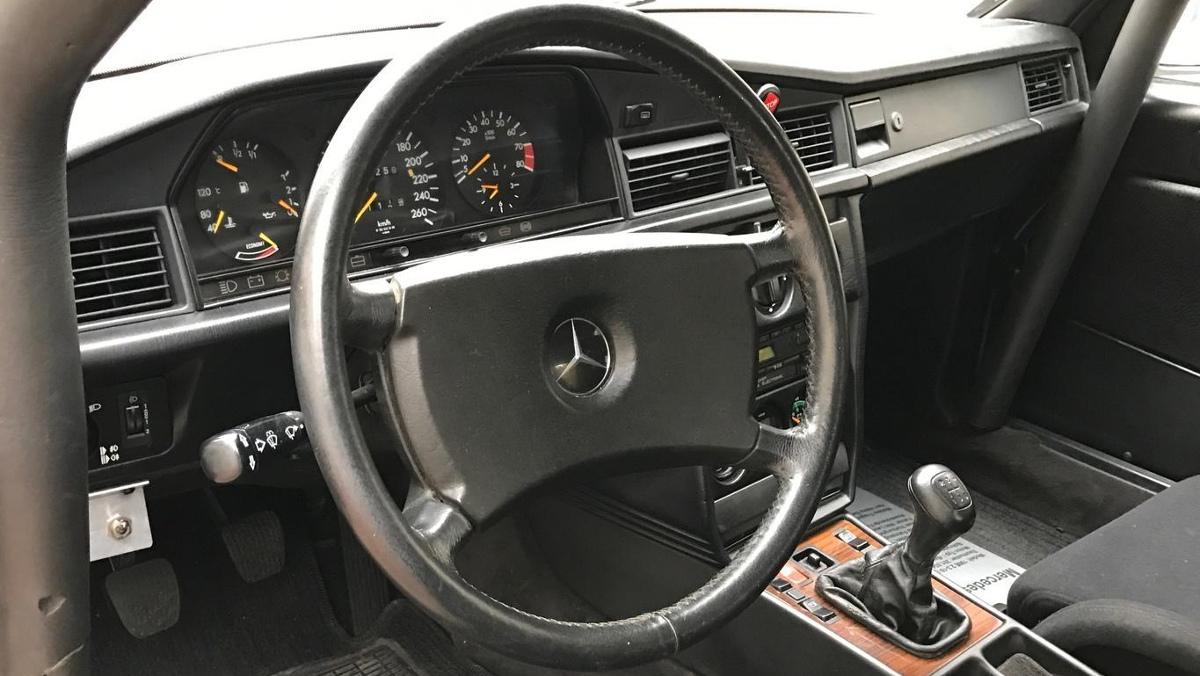 Interior del Mercedes 190E 2.3-16v de Niki Lauda