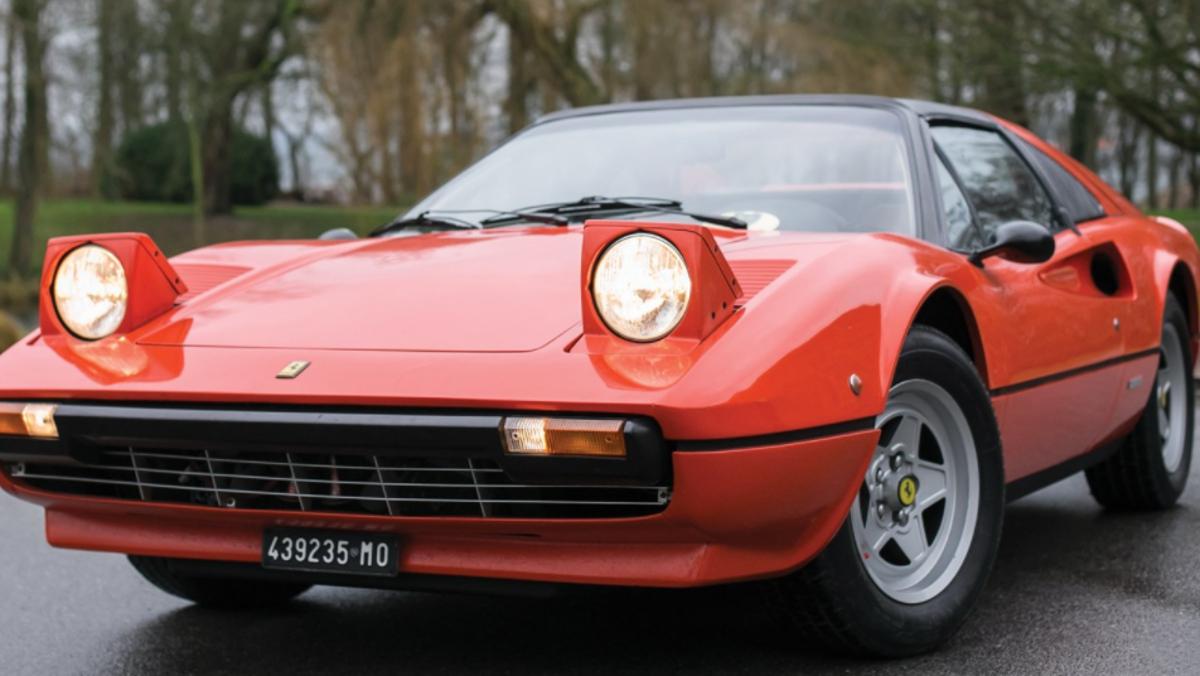 Línea Ferrari 308 GTS Gilles Villeneuve