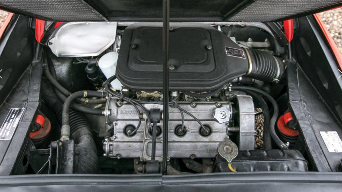 Motor Ferrari 308 GTS Gilles Villeneuve