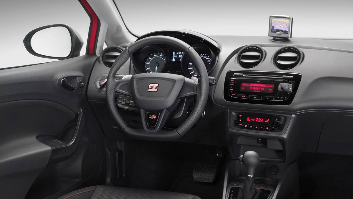 Seat Ibiza FR interior (2010)