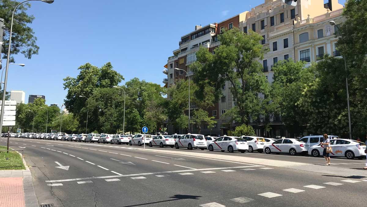 Huelga taxi Castellana Madrid