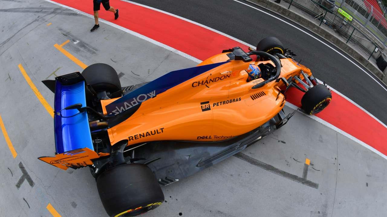 McLaren en el pit lane