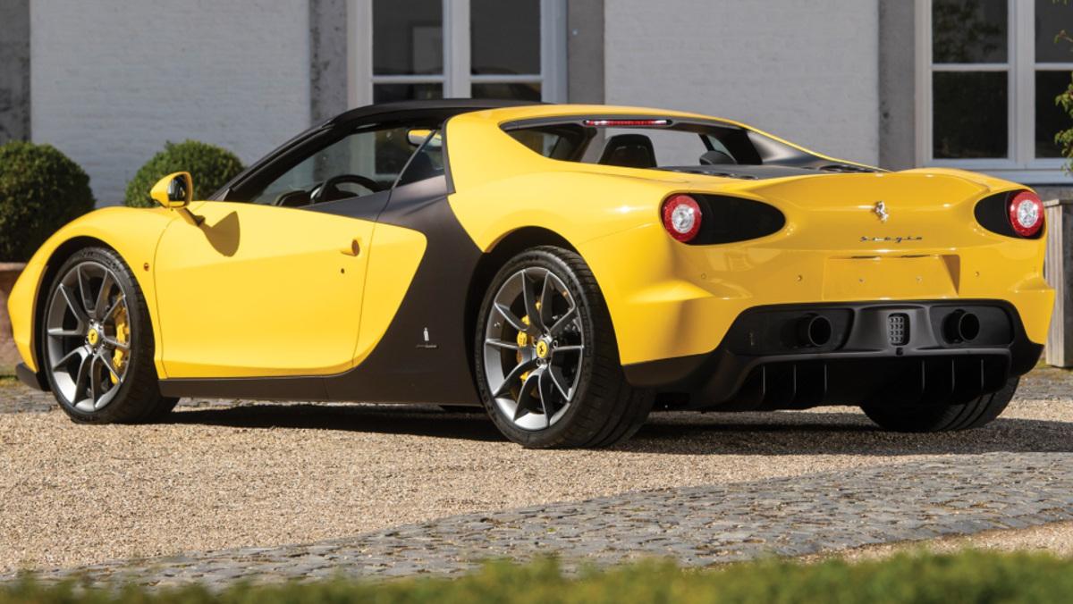 Lateral trasero del Ferrari Sergio, en venta