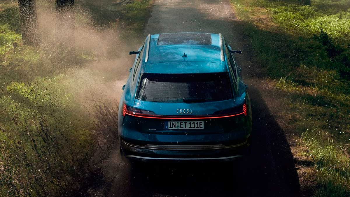 Audi e-tron 2018 off-road
