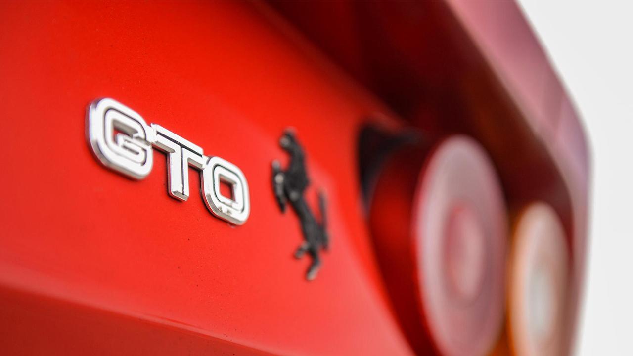 Ferrari GTO insignia