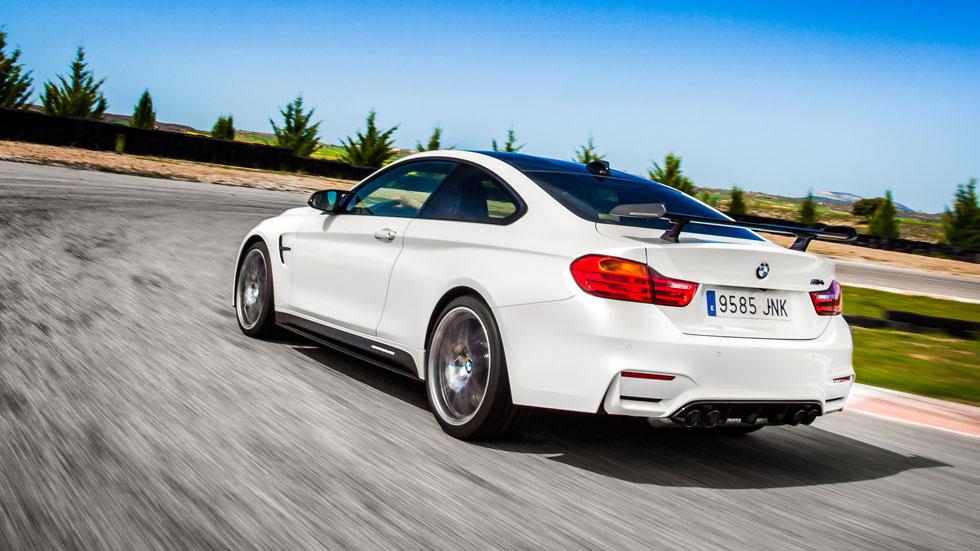 BMW M4 Competition Sport Edition trasera dinámica circuito
