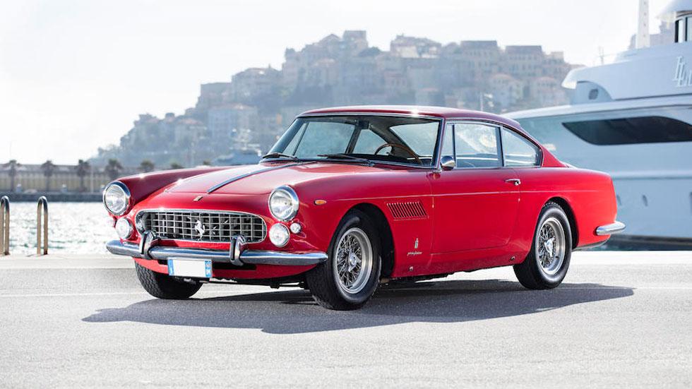 Ferrari 330 America Berlinetta rojo clásico