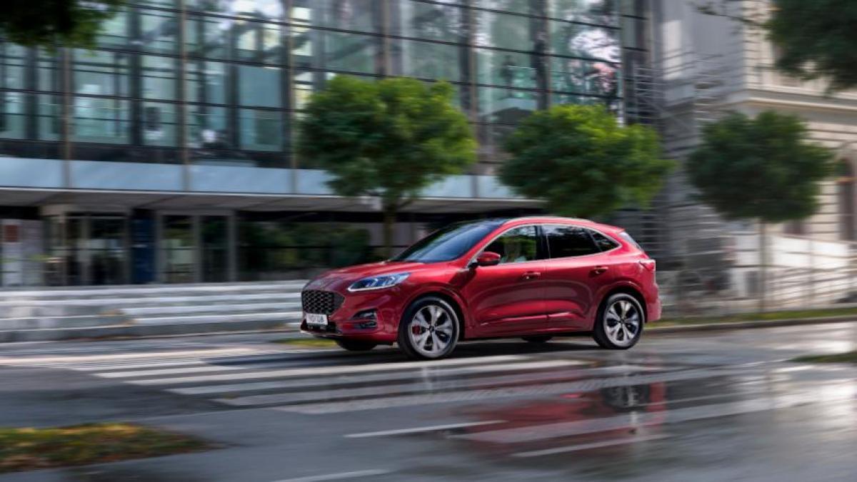 Prueba Ford Kuga PHEV: conducimos el primer híbrido enchufable fabricado en España