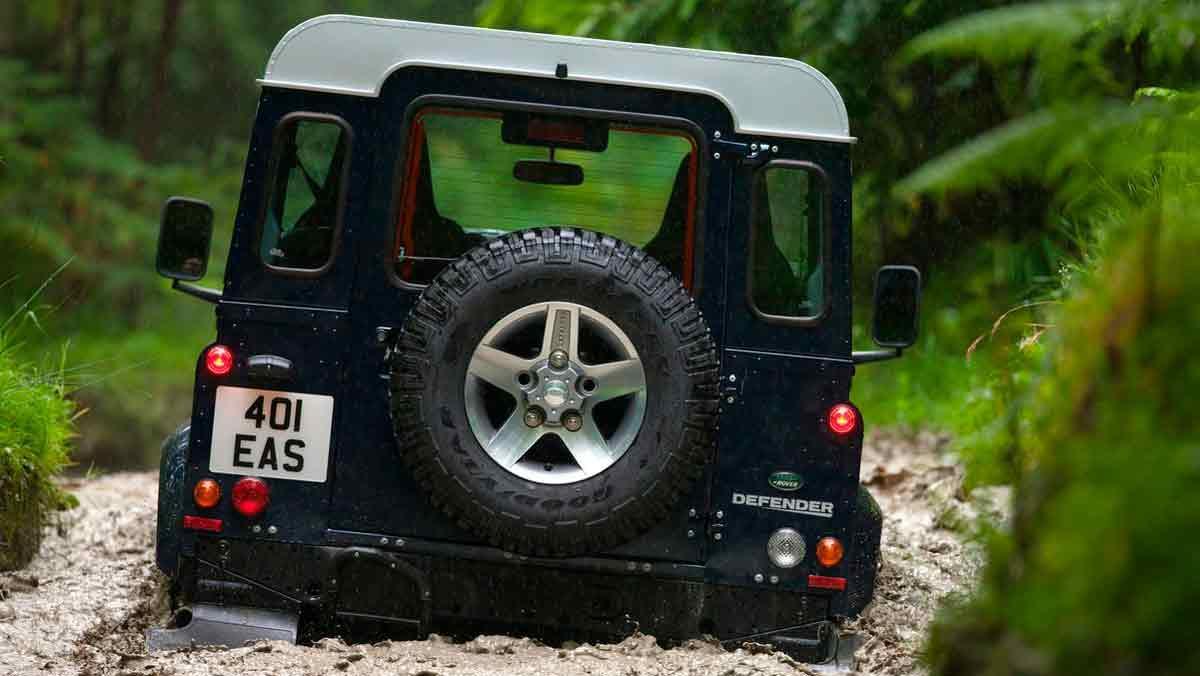 El Land Rover Defender 2020 se parecerá a esto | TopGear es